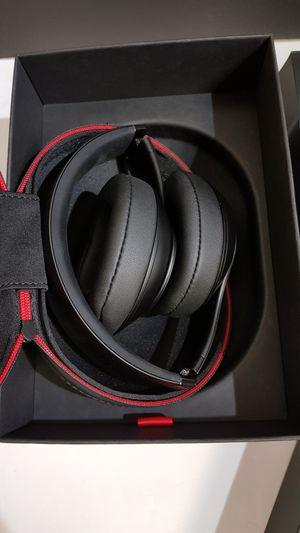 Beats by Dre studio3 wireless bluetooth headphones for Sale in Alexandria, VA