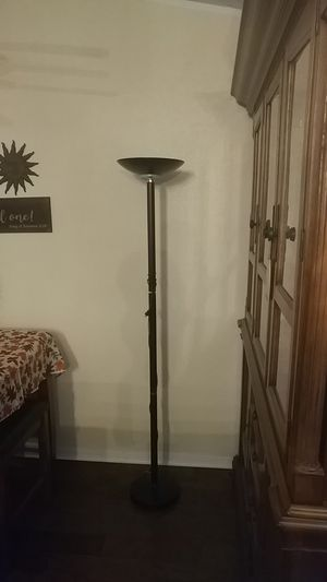 Floor lamp for Sale in Haines City, FL