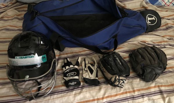 Baseball Bag, Bat, Mit and Batters Gloves n Helmet
