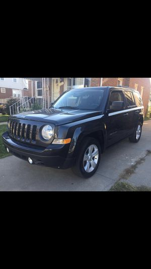 2014 Jeep Patriot 4wd lwo miles 4900 very clean for Sale in Dearborn, MI