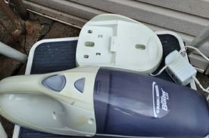 Black and Decker Hand Vacuum for Sale in Chicago, IL