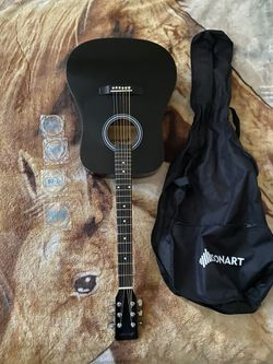 sonart acoustic guitar for Sale in Huntington Park,  CA