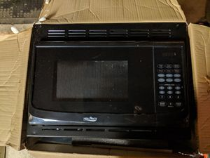 Magic Chef .9 cu. Ft. 900 watt built in microwave oven for camper / rv. Black. for Sale in New Lenox, IL