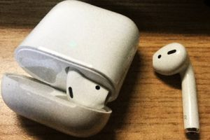 Apple airpods with charging case. (Feel free to text them out) for Sale in Fresno, CA