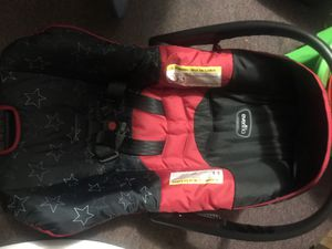 Newborn baby car seat for Sale in Jacksonville, NC
