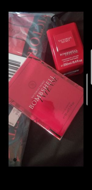 VS Victoria Secret Bomshell Perfume W/FREE LOTION &SCARF for Sale in Lynwood, CA