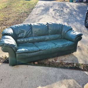 FREE HUNTER GREEN REAL LEATHER SOFA YES IT IS FREE for Sale in Lithonia, GA
