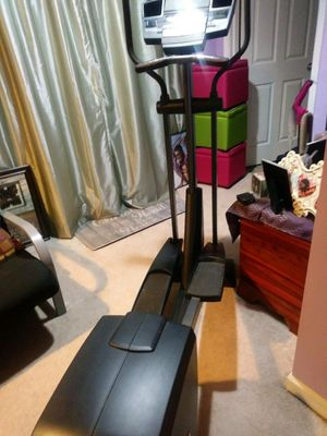 Elliptical no electrical cord for Sale in Lake Angelus, MI