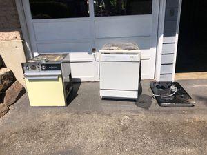 FREEEEE!!!stove, oven, dishwasher for Sale in Edmonds, WA
