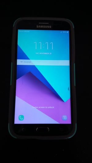 Samsung galaxy J7 smartphone with case and charger , clean and like New! for Sale in Rancho Cucamonga, CA
