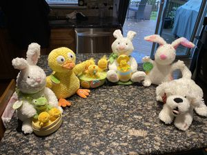 6- BRAND NEW WITH TAGS animated with sound stuffed animals for Sale in Ontarioville, IL