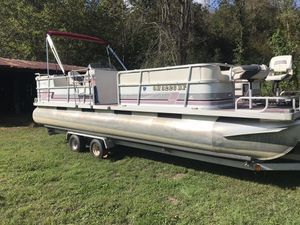 Suncruiser 24 foot pontoon for Sale in Londonderry, OH