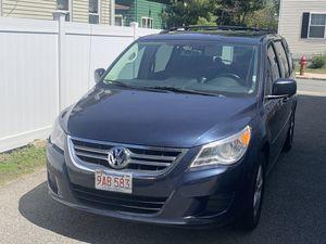 2009 Volkswagen Minivan for Sale in Lynn, MA
