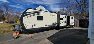 Excellent Camper - 3 slides sleeps 10. for Sale in NJ, US