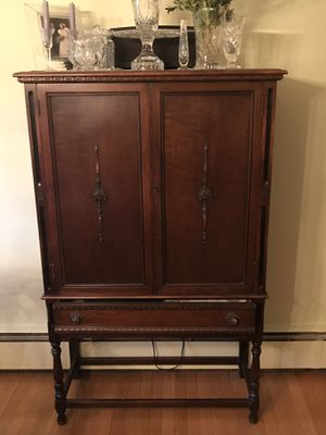Antique Dining Room Set - includes tall china cabinet, large buffet and small buffet. Willing to sell pieces separately. for Sale in Arlington, VA