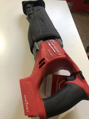 Milwaukee New saw zall fuel / brushless ( one key) ( Bluetooth)(tool only) Nuevo for Sale in Los Angeles, CA