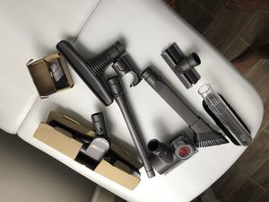 Dyson vacuum with all original parts for Sale in Hialeah, FL