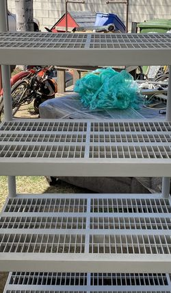 Keter Plastic Shelf 24D X 36W x 73H for Sale in Whittier,  CA