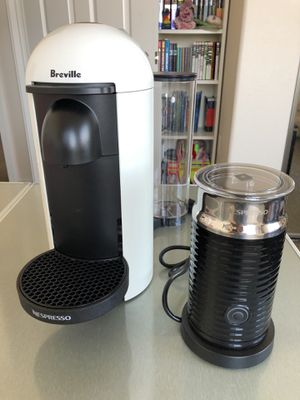 Nespresso Breville Coffee Maker VertualPlus Delux Bundle for $60 - First Come First Served for Sale in San Diego, CA