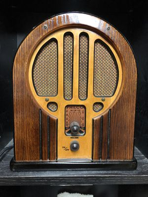 PHILCO Replica Vintage-Inspired Cathedral Wooden Oak Tabletop Radio for Sale in Bakersfield, CA