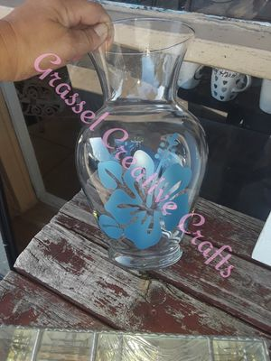Large flower vase w/ decal for Sale in Lakeland, FL