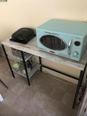 Microwave Table/ Kitchen Table / Desk for Sale in Los Angeles, CA