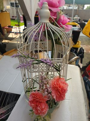 White lanter/bird cage for centerpiece $80 for 10 of them for Sale in Montclair, CA