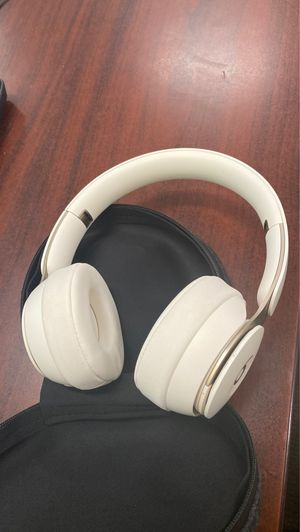 Beats Solo Pro Ivory for Sale in San Diego, CA