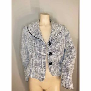 TAHARI Authur S. Levine Blazer- Size: Petite 8 for Sale in Puyallup, WA