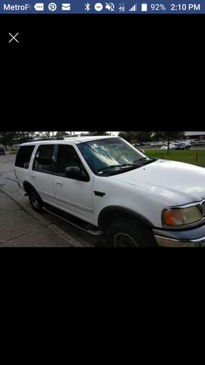 PRICE WILL INCREASE INCE PARTS ARE INSTALLED 2001 2wd Ford Expedition CLEAN TITLE for Sale in Evansville, IN