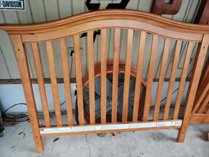 Solid wood baby crib complete for Sale in San Antonio, TX