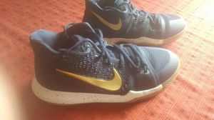 Kyrie Irving Nikes for Sale in Nashville, TN