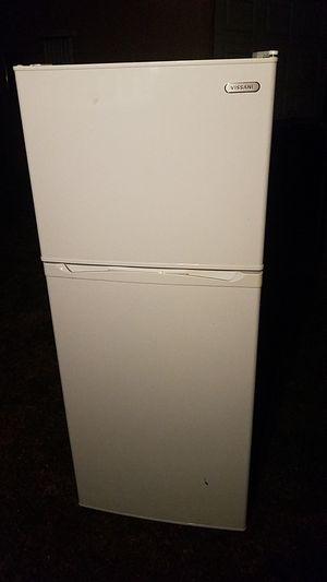 Vissani medium refrigerator for Sale in Los Angeles, CA