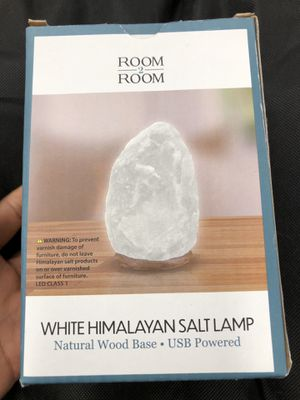 White Himalayan Salt Lamp for Sale in Virginia Beach, VA