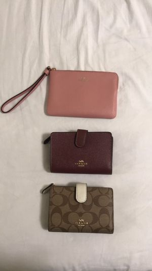 COACH wallets and wristlets for Sale in Miami, FL