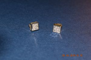 Diamond earrings for Sale in Hughesville, MD