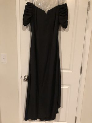 Black off-shoulder gown size 8 for Sale in Tacoma, WA