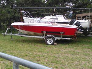 Bayliner with a 90 horse powermercury ingen for Sale in Medford, OR