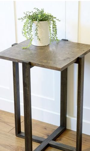 Wooden Side Table for Sale in Hinsdale, IL