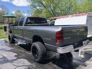 2005 2500 ram dodge diesel quad TRUCK for Sale in Cincinnati, OH