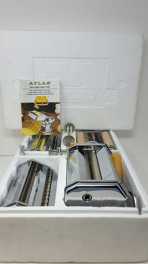 Marcato 5 way pasta maker.. old school pasta maker.. tipi di pasta da fare in casa for Sale in Mercer Island, WA