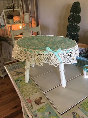 Small shabby chic stool for Sale in Edgewood, WA