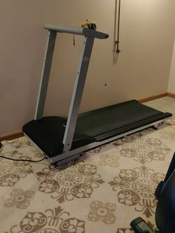 Free Treadmill for Sale in Coraopolis,  PA