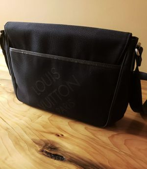 Louis Vuitton Dammier Greant Canvas Messenger bag for Sale in Seattle, WA