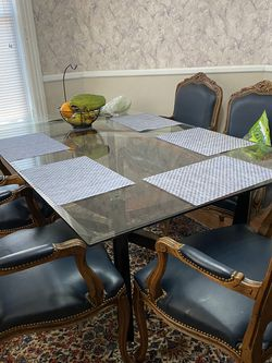 Dining Room Table With Chairs for Sale in Pittsburgh,  PA