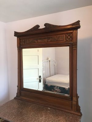 Antique dresser with marble top. for Sale in Seattle, WA