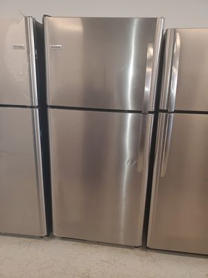 🔥🔥frigidaire top and bottom refrigerator 30inches wide in excellent condition 90 days warranty 🔥🔥 for Sale in Washington, DC