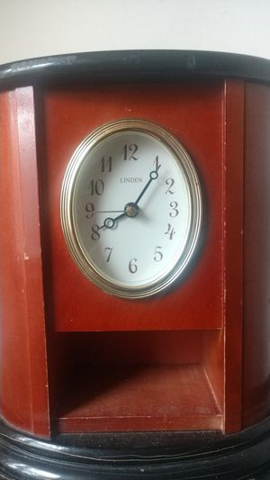 Linden antique clock for Sale in Spartanburg, SC