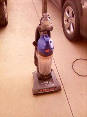 Hoover Wind tunnel bagless vacuum for Sale in Lake Elsinore, CA