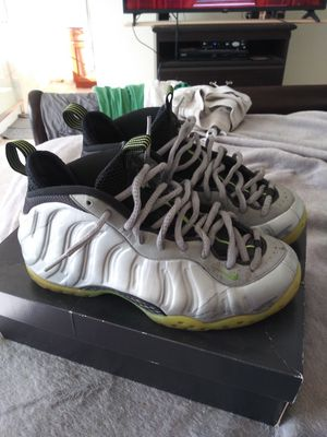 MEN'S SIZE (9) NIKE FOAMS ** NO TRADES!!** (CONDITION OF SHOE 9/10) for Sale in San Leandro, CA